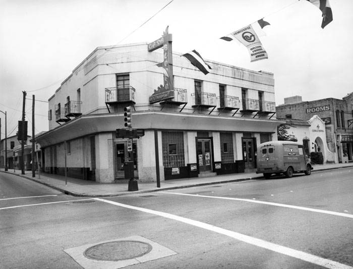 Casa Blanca Restaurant 415 W Houston Street San Antonio